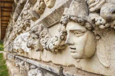 ali-kabas-stone-sculptures-in-aphrodisias-aydin-turkey[1]