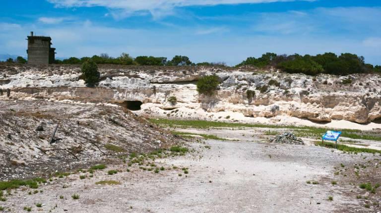 Limestone-Quarry-Robben-Island-Tour-730