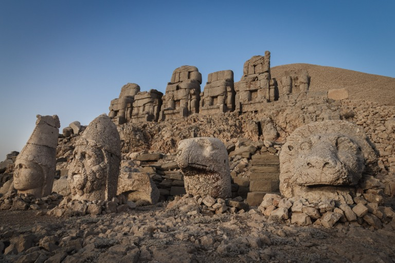 Mount-Nemrut-East-Terrace