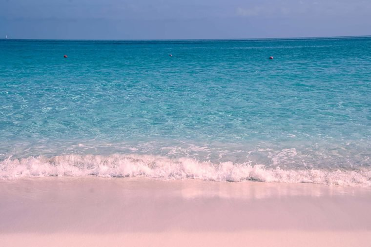 01_Bahamas_Gorgeous-Pink-Sand-Beaches-You-Need-to-Visit_447571567_Kisov-Boris-760x506