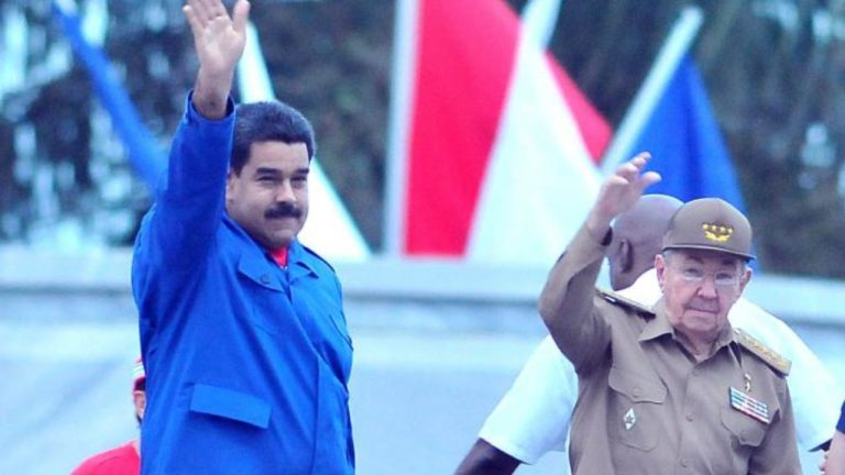 Maduro-y-Raul-foto-Ricardo-Lopez-Hevia-1280x720
